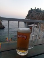 une bière pour finir la journée à Dubrovnik - l'autre ailleurs en Croatie, une autre idée du voyage