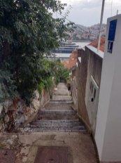 les marches pour accéder à ma chambre à Dubrovnik - l'autre ailleurs en Croatie, une autre idée du voyage