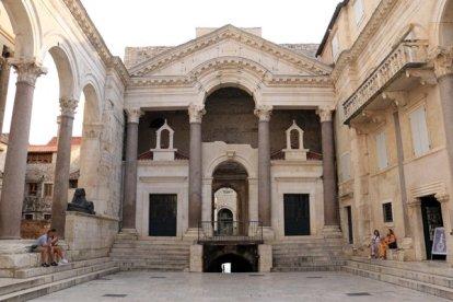 le péristyle à Split - l'autre ailleurs en Croatie, une autre idée du voyage