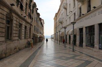 une rue vers le port à Split - l'autre ailleurs en Croatie, une autre idée du voyage