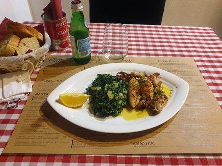 Seiche et épinards au Salsa Rossa Italian Restaurant à Zadar - l'autre ailleurs en Croatie, une autre idée du voyage