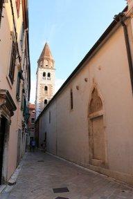 dans la rue du centre historique de Zadar - l'autre ailleurs en Croatie, une autre idée du voyage
