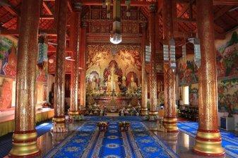 dans un temple de Chiang Mai - l'autre ailleurs au Myanmar (Birmanie) et Thaïlande, une autre idée du voyage