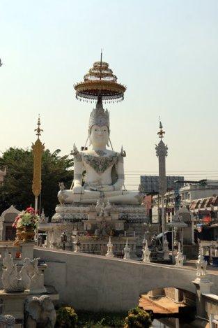 un autre temple à Lampang - l'autre ailleurs au Myanmar (Birmanie) et Thaïlande, une autre idée du voyage