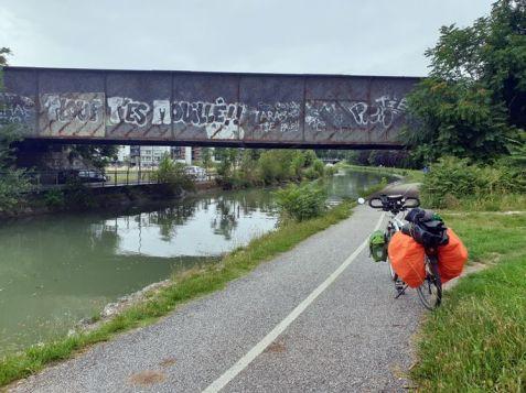 de passage par Agen - l'autre ailleurs en Vélo, une autre idée du voyage (www.autre-ailleurs.fr)