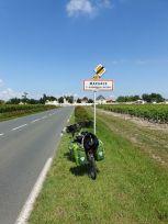 encore un nom très évocateur en matière de vin, ici Margaux (33) - l'autre ailleurs en Vélo, une autre idée du voyage (www.autre-ailleurs.fr)