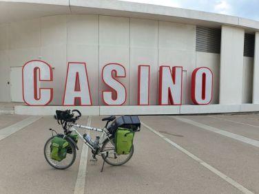non je n'irai pas au Casino, Pornic (44) - l'autre ailleurs en Vélo, une autre idée du voyage (www.autre-ailleurs.fr)
