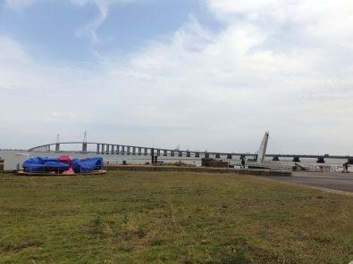 le pont de St Nazaire (44)- l'autre ailleurs en Vélo, une autre idée du voyage (www.autre-ailleurs.fr)