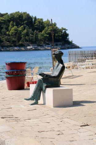 statue à Cavtat - l'autre ailleurs en Croatie, une autre idée du voyage