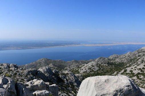 depuis le Zoljin Kuk un petit pic à 712 m dans le parc national de Paklenica à Starigrad - l'autre ailleurs en Croatie, une autre idée du voyage