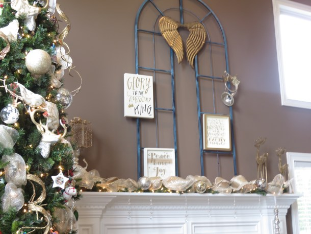 Christmas Traditional Mantle