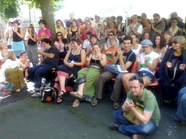 Photo des compagnie de passage, off, festival de théatre de rue d'Aurillac 2007