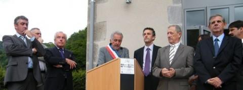 Henri Lentuéjoul et élus pour l'inauguration à Mandailles