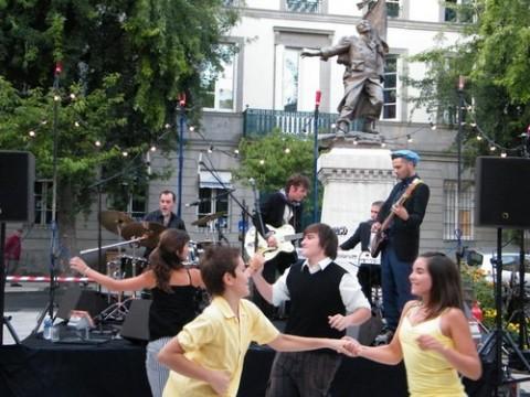 Viktor Huganet et les danseurs de l'école Fred Danse