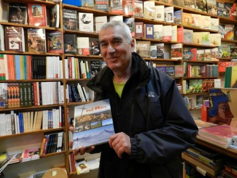 """Jacques Raymond, photographe et éditeur du livre """"Le Puy Mary"""""""