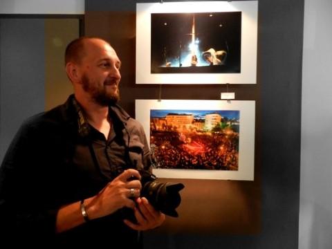 Ludovic Laporte expose : Une lueur dans la rue