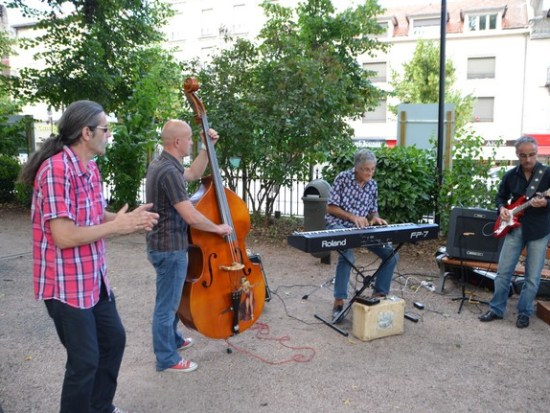 Festi Jump, ouverture avec les Blues Salopards