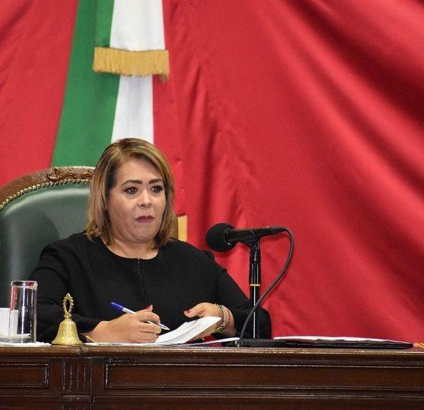 diputada Beatriz Vícera Alatriste, presidenta de la Mesa Directiva