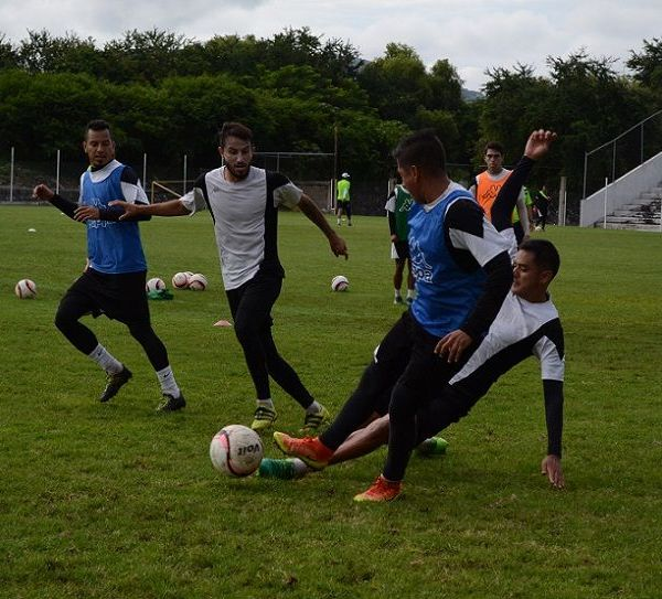 """, a las 17:00 horas en el Estadio Agustín """"Coruco"""" Díaz"""