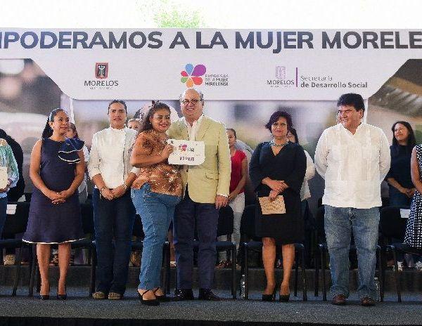 Ibiza Gómez Alpízar, chef profesional, recordó que tenía trabajo en un restaurante, pero su vida laboral cambió cuando se embarazó y nació su hija