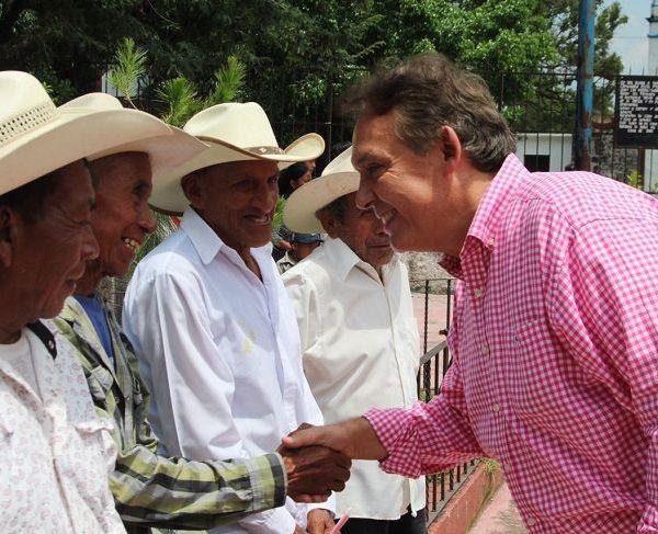 Ahí, en Huitzilac se generará el primer compromiso de Gobierno vinculado con la defensa de los bosques de los Altos de Morelos; será con gente de Coajomulco, comunidad de usos y costumbres