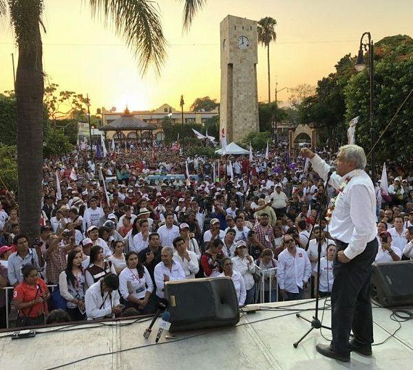 Recordó que cuando fue jefe de Gobierno, llevó a cabo un programa para construir 150 mil viviendas en la Ciudad de México y ahora hará un programa de vivienda para ayudar a los afectados por el sismo en este municipio
