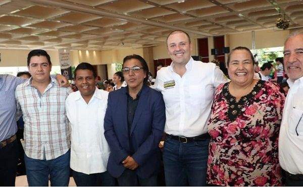 Así lo dio a conocer durante un foro organizado por el Centro Universitario Anglo Mexicano (CUAM), en donde reconoció que los estudiantes sufren para conseguir un trabajo después de terminar sus carreras, por lo que es necesario dar apoyos a los emprendedores para iniciar con sus propias empresas