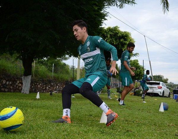 Los Cañeros del Club Atlético Zacatepec reanudaron sus entrenamientos; el lunes, el equipo dirigido por el estratega Alberto Clark entrenó en Xochitepec