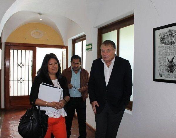 el secretario de Gobierno, Ángel Colín López, quien encabeza la Comisión de Enlace de la administración 2012-2018, manifestó que se trató de una excelente reunión de trabajo, en la que se entregó a la Comisión de Enlace del Gobierno entrante la información solicitada
