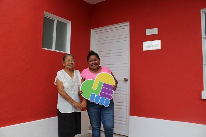 Miriam González, habitante de la colonia Centro en el municipio de Tetecala, fue parte de estos beneficiados; ella junto a su hija recibió, por parte de Unidos por Morelos y la fundación Carlos Slim, una nueva casa, ya que la suya colapsó la tarde de aquel martes 19 de septiembre