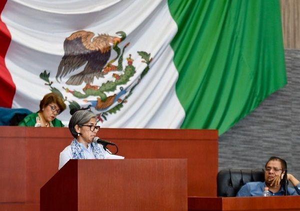 Así lo informó Patricia Izquierdo Medina, Secretaria de Obras Públicas, quien en cumplimiento a la Constitución Política de Morelos, acudió al Congreso del Estado a ampliar la información contenida en la glosa del sexto informe de Gobierno