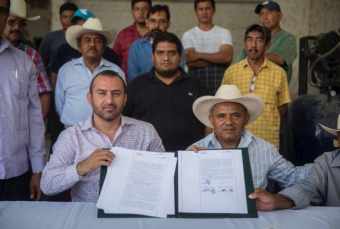 El secretario de Gobierno, Ángel Colín López, refirió que es un compromiso más que Graco Ramírez cumplió con los campesinos para mejorar su desarrollo y productividad