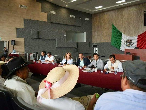 La decisión fue tomada luego de que pobladores de la comunidad serrana se manifestaron en el Congreso del Estado para expresar su inconformidad con quienes integran dicho Concejo Indígena y que entrarán en funciones el 01 de enero de 2019