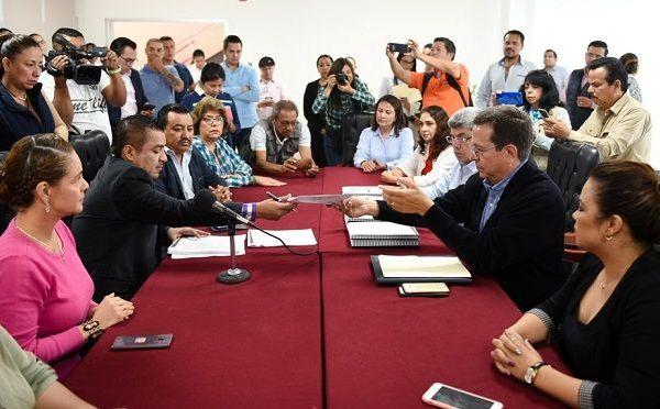 """destacó que en materia de inversión, el gobierno de Cuauhtémoc Blanco dio privilegio a las áreas que contribuyen al desarrollo social, como son educación, salud, agropecuario, cultura, deporte, obra pública y otras acciones para convertir a Morelos en """"anfitrión del mundo"""""""