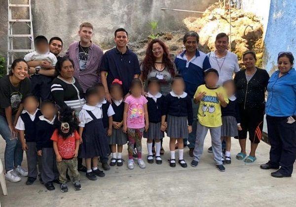 """Bajo esta dinámica, Danae De Negri, secretaria ejecutiva del SIPINNA en el estado, asistió a reunión de trabajo con encargados de la escuela """"Yolteotl"""", ubicada en la colonia Ampliación Chulavista, de Cuernavaca"""