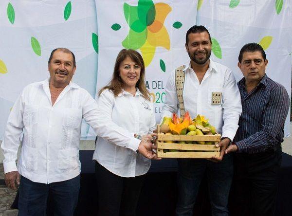 Margarita González Saravia, titular de la STyC, destacó que este tipo de festividades promueve la asistencia de turistas y visitantes de Morelos, Guerrero y Estado de México, tanto a Coatlán del Río como a los municipios aledaños, permitiendo que se genere una derrama económica importante entre los prestadores de servicios de la región