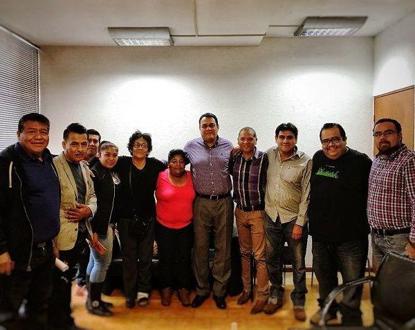 """Durante una reunión con dirigiente hizo de su conocimiento que """"es una instrucción del presidente Municipal, Antonio Villalobos Adán, ser un gobierno que escucha y da solución""""."""