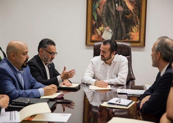 Pablo Ojeda manifestó el interés que se tiene para que, de la mano de los empresarios, el estado tenga un rumbo claro, para impulsar su desarrollo económico, social y turístico. Reiteró que las puertas de la Secretaría de Gobierno siempre estarán abiertas, para que a través del diálogo se encuentre la mejor solución a favor de Morelos y su gente