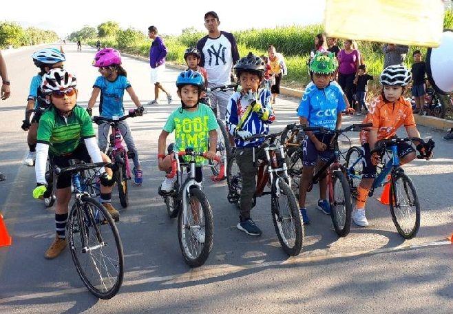 Cabe señalar que las categorías mayores, de doce años, y la categoría juvenil, invitada, tuvieron una competencia de Contra Reloj Individual de 6 km para los de 12 y 13 años y para los otros 9 km de carrera