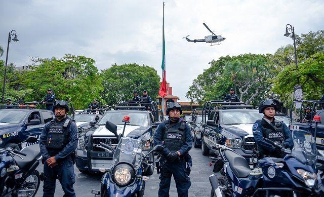"""""""Recuerden que Morelos es compromiso de todos; regresar la paz social corresponde a las autoridades, pero el apoyo de la ciudadanía es necesario para alcanzar los objetivos en esta materia. No se vale evadir, cuestionar y ser críticos severos y pasivos"""", aseveró"""