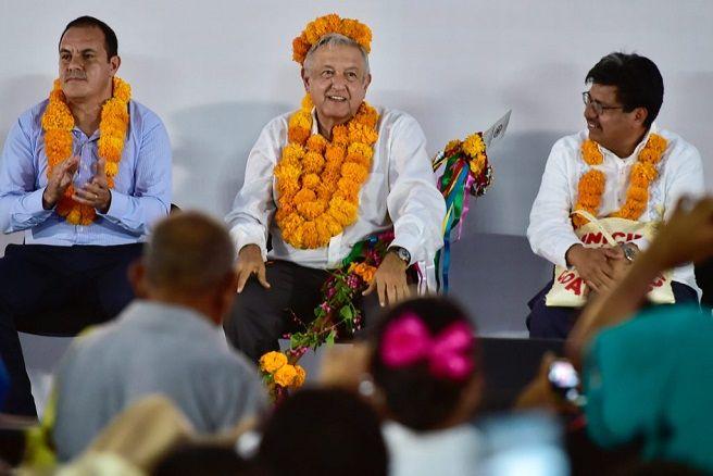 """""""Que se oiga bien, que se oiga lejos, llevamos muy buena relación con el gobernador de Morelos, Cuauhtémoc Blanco… Cuauhtémoc no está sólo, tiene el respaldo, el apoyo del Gobierno Federal, del presidente de la República"""", puntualizó"""