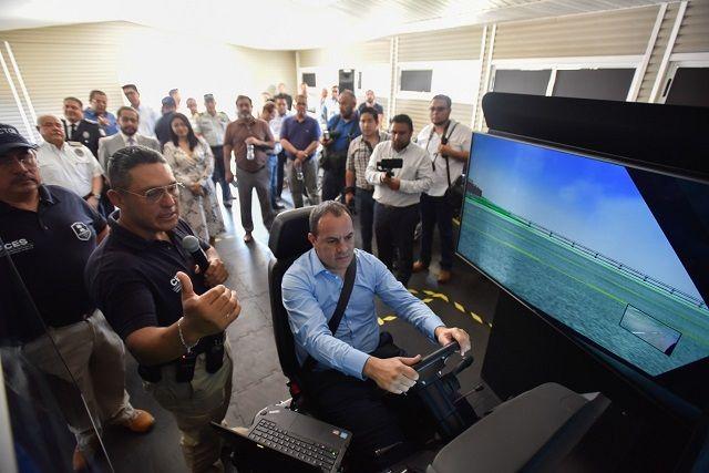 Asimismo, en compañía del Almirante José Antonio Ortiz Guarneros, comisionado estatal de Seguridad, supervisó las remodelaciones que se llevan a cabo en las aulas y dormitorios de este recinto