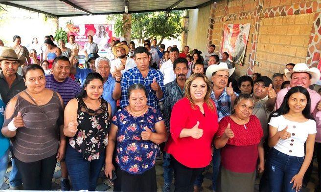 """Ante la presencia de la militancia petista de los diferentes municipios, la líder partidista Tania Valentina, dejó en claro que """"es nuestro momento"""" que el Partido del Trabajo es un partido de izquierda que lucha por la causas sociales y desde hace más de 18 años de la mano de Andrés Manuel López Obrador, y junto con nuestro Presidente de México"""