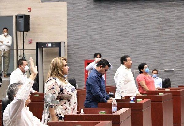 Cabe recordar que dicha minuta fue aprobada el 24 de marzo de 2020, en sesión del Pleno del Senado de la República, por 91 votos a favor, uno en contra y una abstención, de la cual se dio cuenta en el Congreso local el pasado 27 de marzo, por lo que el diputado Alfonso de Jesús Sotelo Martínez, presidente de la Mesa Directiva, instruyó turnar a la Comisión de Puntos Constitucionales y Legislación para los efectos legales conducentes