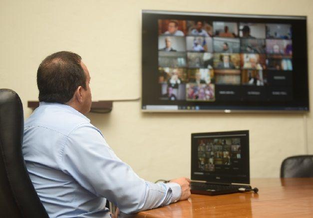 La video reunión se concretó en seguimiento al Acuerdo por la Gobernabilidad y Unidad Nacional que convinieron todos los gobernadores del país y autoridades federales, para determinar las acciones a reforzar ante la contingencia sanitaria por la pandemia de coronavirus Covid-19