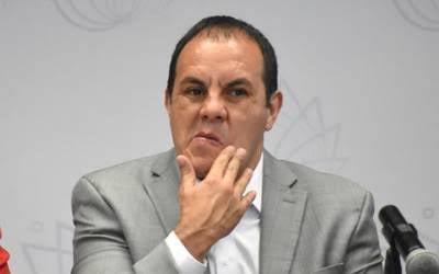 """Entre los señalados en las investigaciones que lleva a cabo la Unidad de Inteligencia Financiera (#UIF) de la Secretaría de Hacienda y Cuenta (#SHCP), ahora ya formalmente en manos de la FGR, figuran los nombres de José Manuel Sanz Rivera, jefe de la oficina de la gubernatura, Jaime Tamayo Godínez, apoderado de la marca propiedad del ausente gobernador de Morelos, Edgar Riou Pérez, primo y secretario particular de """"El Cuau"""", su medio hermano, Ulises Bravo Molina, y la esposa Sanz Rivera, Claudia Mondragón Sánchez, quien sin haber manifestado ingresos propios adquirió una propiedad en Morelos con un valor de 14 millones de pesos"""