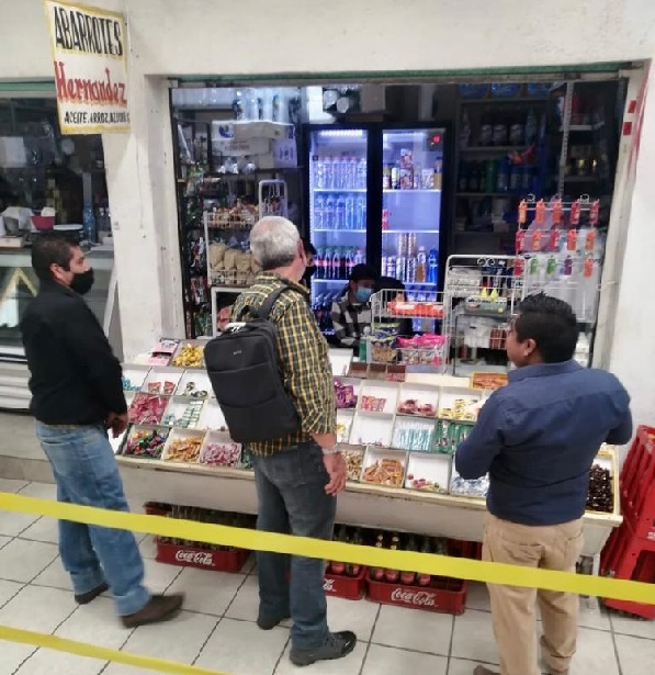 Estas visitas de trabajo y acompañamiento se realizan en cada uno de los locales comerciales de los mercados periféricos de Cuernavaca y son coordinadas por la Secretaría de Desarrollo Económico y Turismo (SDEYT), a través de la Dirección de Mercados