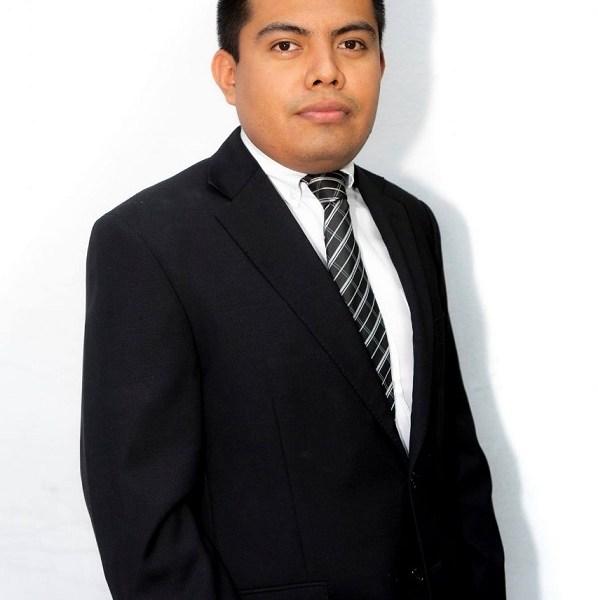 Licenciado en Derecho con Mención Honorifica por la Universidad Privada del Estado de Morelos. Abogado Postulante en materia penal y amparo en la Firma Legal Código Quattro