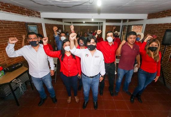 Aseguró que hoy el compromiso del presidente del CEN, Alejandro Moreno Cárdenas, con los militantes es que las y los candidatos surjan del diálogo y el acuerdo entre los habitantes de los municipios y los distritos