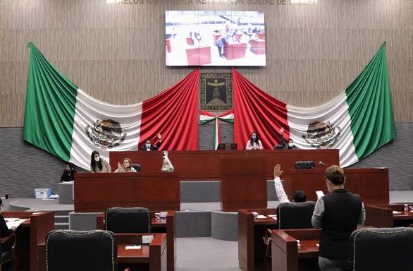 Con una mayoría de 18 votos a favor, el Pleno del Congreso del Estado discutió y aprobó el dictamen presentado por la Comisión de Hacienda, Presupuesto y Cuenta Pública de Ley de Ingresos y Presupuesto de Egresos para el ejercicio fiscal 2021